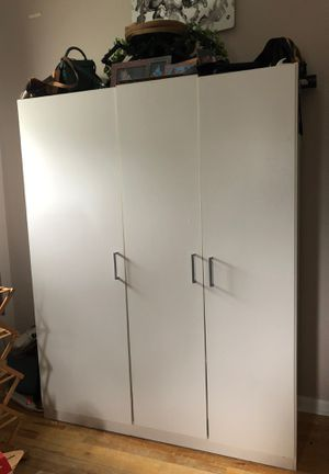 Freestanding closet wardrobe clothing organizer for Sale in Old Bridge Township, NJ