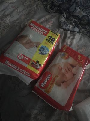 Newborn Huggies Diapers $5 each pack for Sale in Dallas, TX