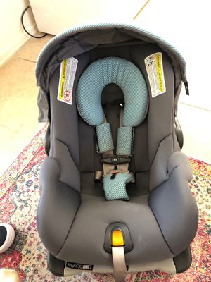 Car seat with Base for Sale in Chandler, AZ