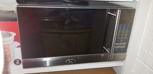 Small microwave for Sale in Hilliard, OH