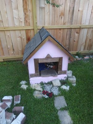 Dog home for Sale in Houston, TX