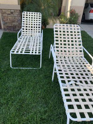 Free patio chairs for Sale in Santa Clarita, CA