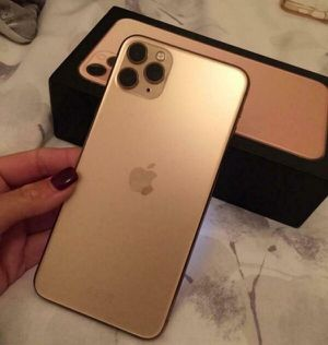 Brand new open box iPhone 11 pro max.. 512 gb for a good price of $680 for Sale in Culver City, CA
