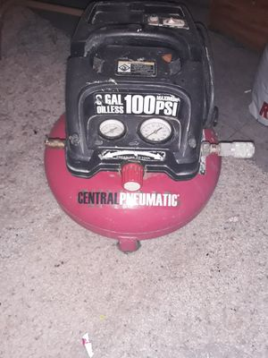 Air compressor, 2 propane tanks and a vanity light for Sale in Orosi, CA
