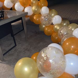 Free Balloon Garland for Sale in Walnut, CA