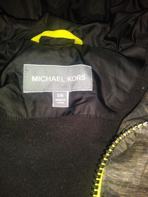 Michael Kors,Boys hooded 5/6,camo-print puffer jacket,water resistant,BRAND NEW for Sale in Boston, MA