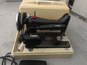 Collecting sewing machines. Singer for Sale in Valrico, FL