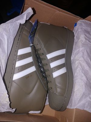 BRAND NEW ADIDAS for Sale in Tacoma, WA