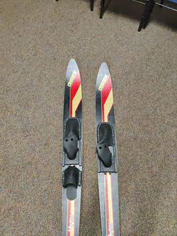 Water Ski O'Brien Masters Combos Perfect Condition And Great For Beginners! for Sale in Burien,  WA