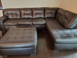 Sofa sectional L shape for Sale in Chula Vista, CA