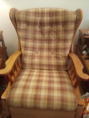 Rocking recliner chair for Sale in Tigard, OR