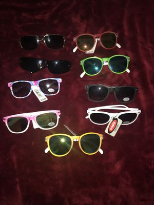 Oasis Shades / Sunglasses with Tags for Sale in Chicago, IL