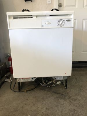 Whirlpool dishwasher for Sale in Lake Elsinore, CA