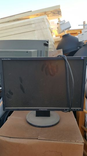 Flat screen monitor with cord for computer Samsung 30 bucks for Sale in Phoenix, AZ