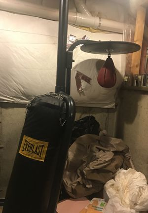 Everlast Heavy bag and speed bag set for Sale in Des Plaines, IL