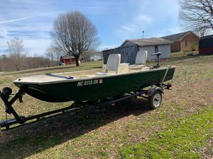 14ft fiberglass john boat for Sale in Linwood, NC