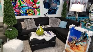 Black sectional sofa with reversible chaise and ottoman 104x75 for Sale in Boca Raton, FL
