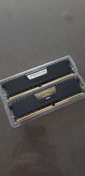 16 GB (2×8) 2133MHz Corsair Vengence LPX Ram for Sale in Grand Haven, MI