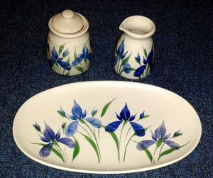 Rare EMERSON CREEK Pottery Dish Set for Sale in Colesville, MD