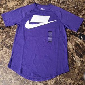 """Purple NIKE """"No Logo"""" Baseball Tee Size SMALL for Sale in Lancaster, CA"""