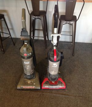 (2) good working Hoover pepper wind tunnel and dirt devil pro power pet vacuum cleaners for Sale in Houston, TX