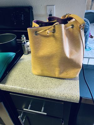 Authentic Louis Vuitton Bag for Sale in Vancouver, WA