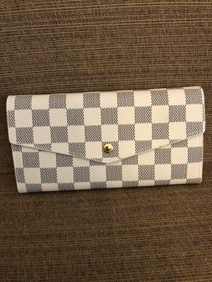 Nice wallet for Sale in Lawrenceville, GA