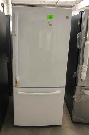 GE refrigerator 2J for Sale in El Paso, TX