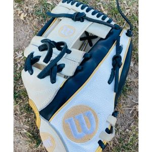 softball glove a2000 for Sale in Vista, CA