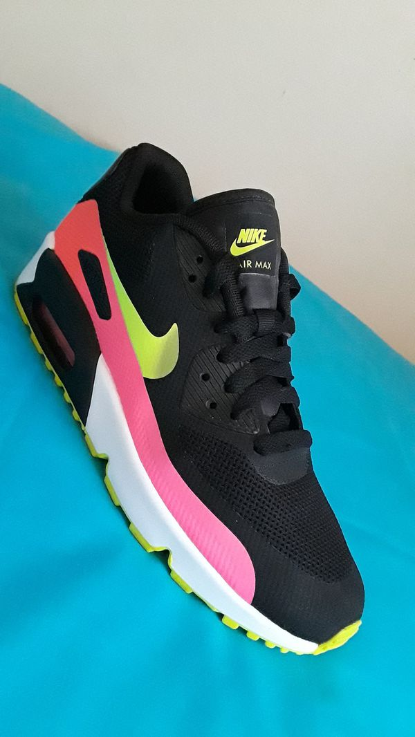 Women's Nike Air Max 90 FB Size 8 WOMEN and Size 6.5 Y