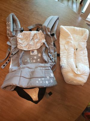 Ergobaby carrier w/ infant insert for Sale in Madison, WI