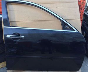 2006 - 2007 Infiniti M35 M45 Front Right Side Door Black for Sale in Fort Lauderdale, FL