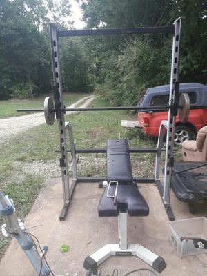 Smith machine weight bench for Sale in Dittmer, MO