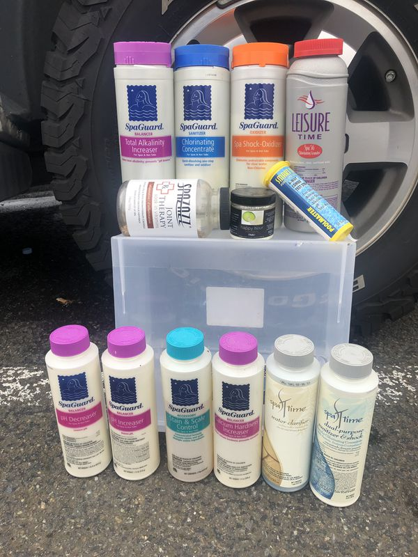 Hot tub cleaning chemicals