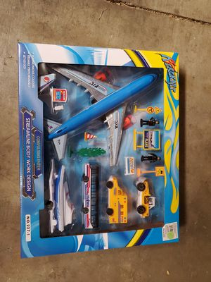 New airplane toy set for Sale in Riverside, CA