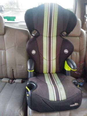Kids car/booster seat and toddler 3 wheel scooter for Sale in New Port Richey, FL