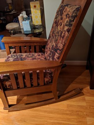 Rocking chair.Great for large bodies. Upholstered. Beautiful design for Sale in Portland, OR