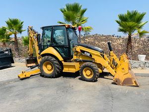 CAT420E BACK HOE for Sale in El Cajon, CA