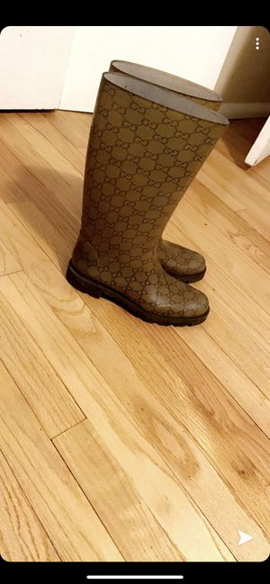 Gucci rain boots for Sale in Brown Deer, WI