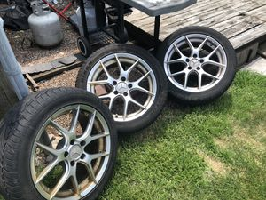 "17"" tires and rims off Mercedes e320 for Sale in Romeoville, IL"