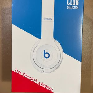 Beats Solo3 Wireless On-Ear Headphones - Apple W1 Headphone Chip, Class 1 Bluetooth, 40 Hours Of Listening Time - Club White (Latest Model) for Sale in Orlando, FL