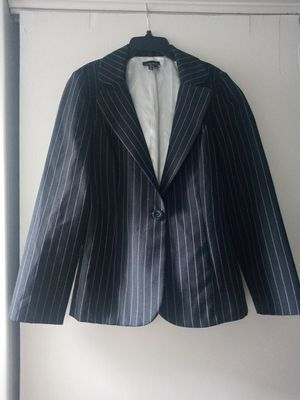 My Michelle Suit Jacket for Sale in Coffeyville, KS