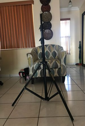 Light stand for photography, videography, etc. for Sale in Hialeah, FL
