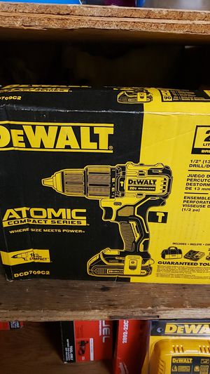 "Dewalt 20vMax lithium ion 1/2"" hammer drill driver kit for Sale in Lompoc, CA"