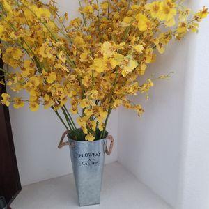 Vase w/ Silk Flowers for Sale in Chula Vista, CA