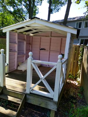 Backyard play house for Sale in Highland Beach, MD