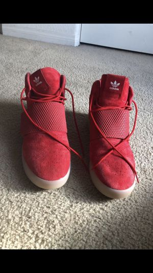 Mens Adidas Red Tubular Sneakers Size 13 for Sale in Menifee, CA