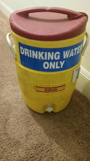 Water cooler 5 gallons for Sale in Raleigh, NC