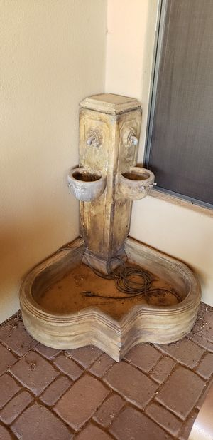 Corner patio fountain. Great working condition. for Sale in Phoenix, AZ