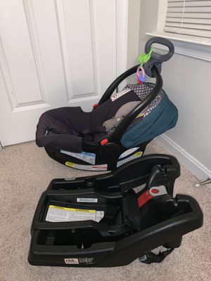 Graco's SnugRide Click Connect 30 Infant Car Seat and base for Sale in Upper Marlboro, MD